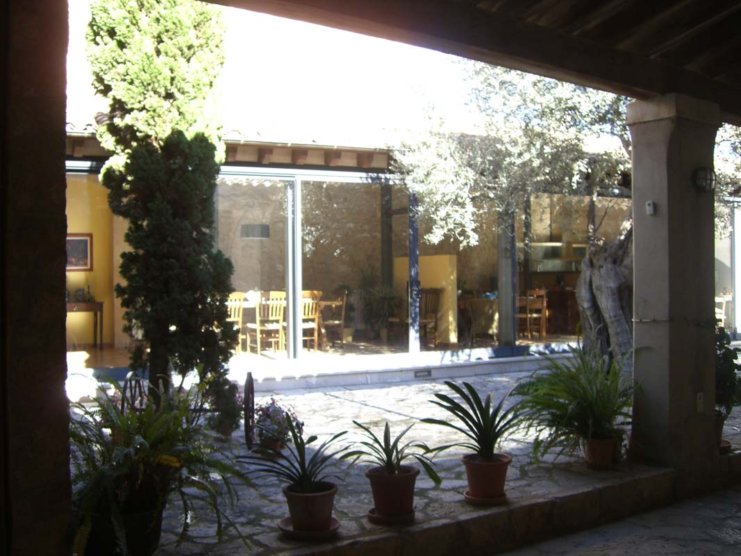 Diseño y construcción de jardín privado en Binissalem (1)